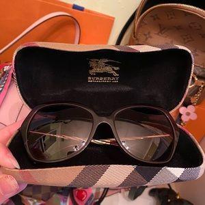Burberry Sunglasses 🕶Sunnies shades gold burgundy